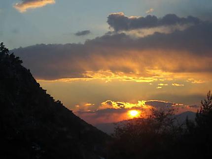 Coucher du soleil sur hauteurs de La turbie