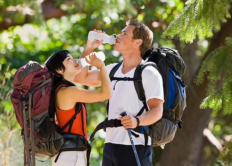 5 accessoires indispensables pour boire de l'eau lors de vos randos