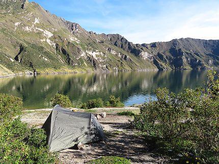 Camping au bord de la laguna Quilotoa, Equateur