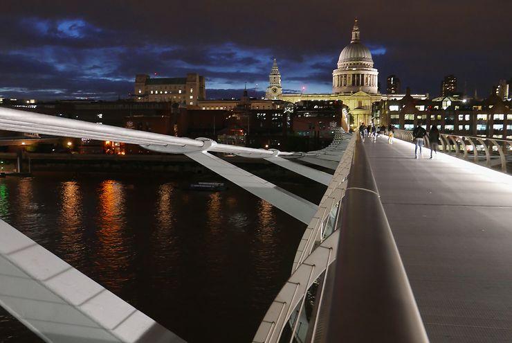 Millenium Bridge la nuit, Londres