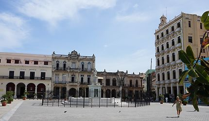 La Havane, Plaza Vieja, édifiée en 1559