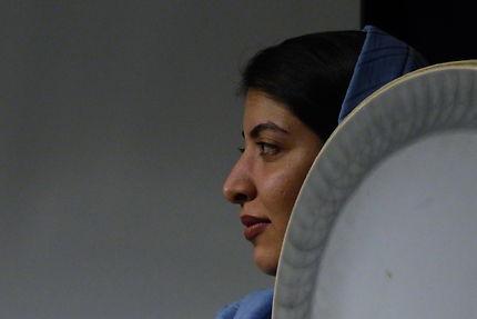 Musicienne au musée de la musique d'Ispahan, Iran