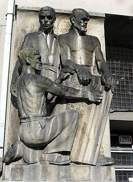 Statues d'ouvriers