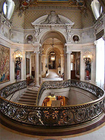Le vestibule d 39 honneur ch teaux ch teau de chantilly - Architecte chantilly ...