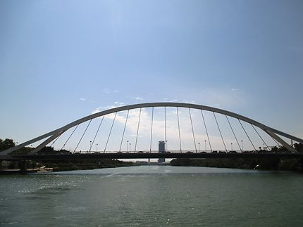 Le pont de la Barqueta, dit pont Mapfre
