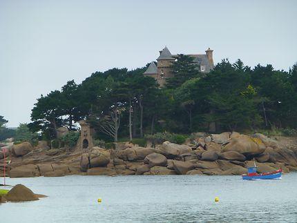 Le château de Costaérès, à Ploumanac'h