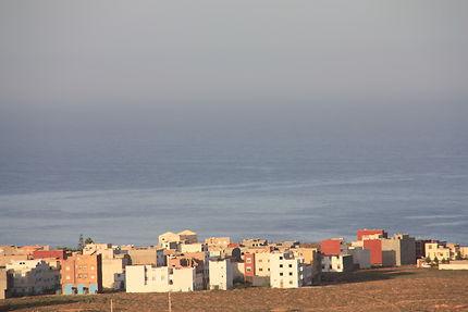 Vue sur Mirleft depuis ''les 3 chameaux'', Maroc