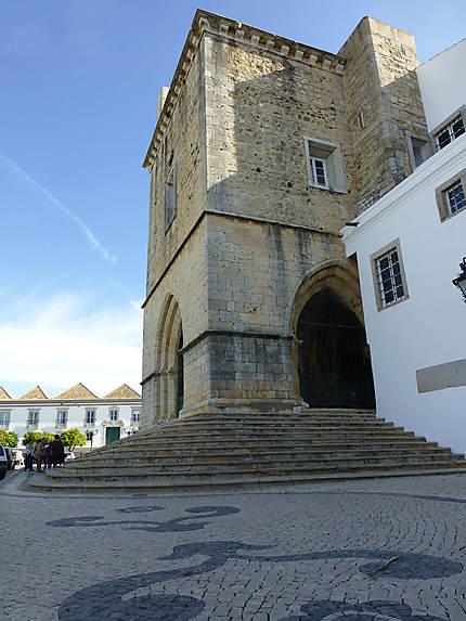 Angle de la tour