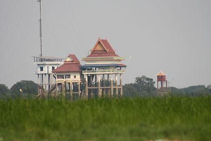 À l'embouchure du grand lac Tonlé Sap