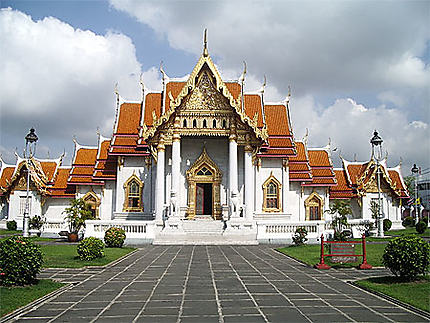 Temple en marbre de Carrare