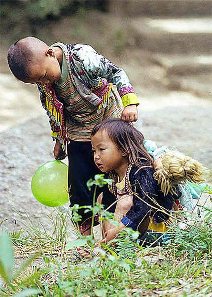 enfants akha