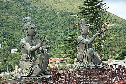 Statues autour du Grand Bouddha
