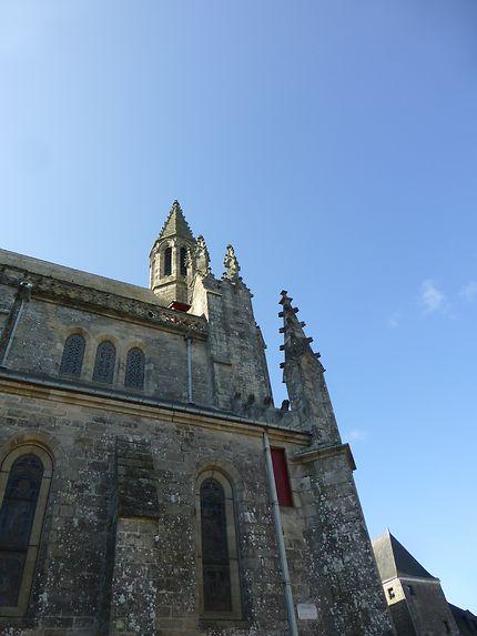 Tours anciennes vers le ciel, à Guérande