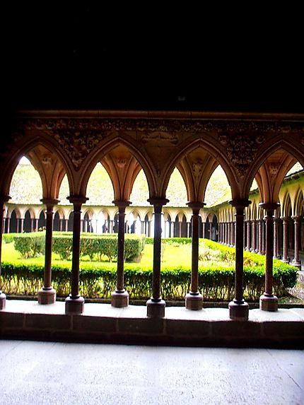 Le cloitre de l'abbaye du Mont-Saint-Michel