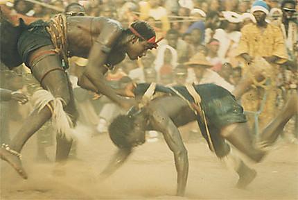 Combat en arène au village