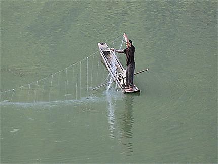 Pêcheur lac Ba Be