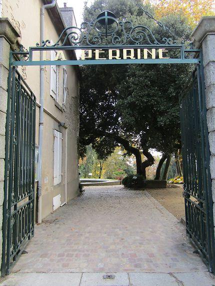 Entrée des jardins de la Perrine, Laval
