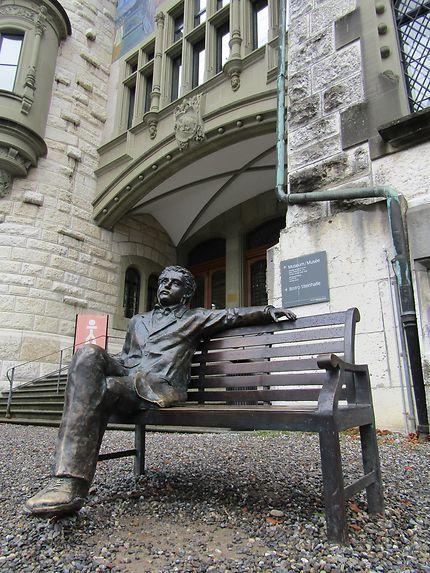 Einstein sur son banc