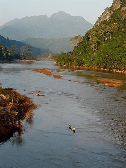 Vue sur la rivière Nam Ou
