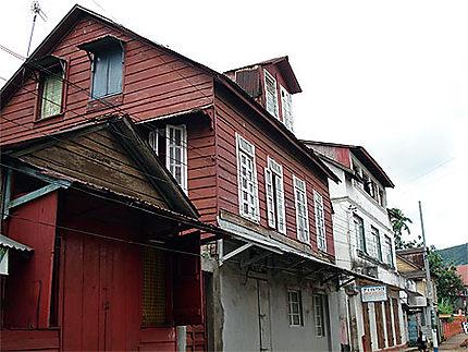 Maison de ville, maison de bois