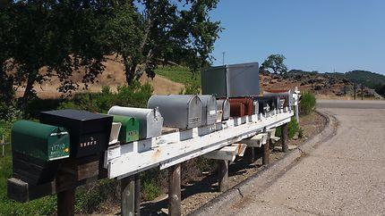 Le courrier n'attend pas, route de Monterey