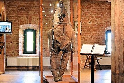 Le plus ancien costume de plongée du monde