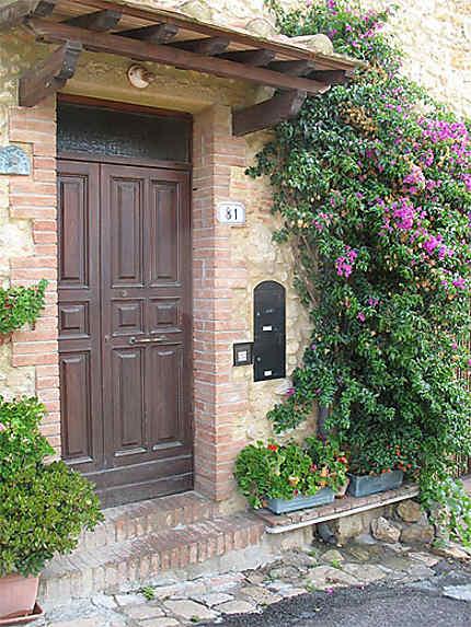 Casale Marittimo porte d'entrée