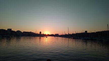Crépuscule sur le vieux port