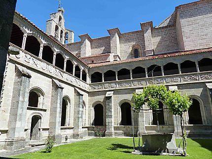 Monastère Saint Tomas - Cloître Le Silence