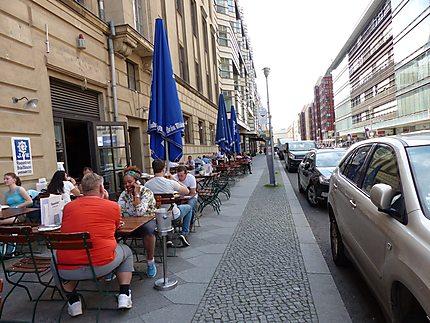 Un restaurant en plein air