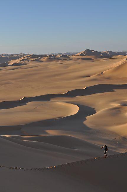 Funambule sur les dunes