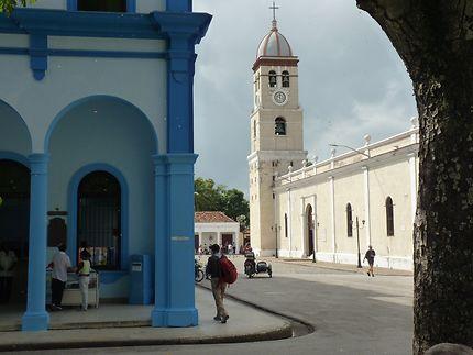 Bayamo Cuba lendemain matin de la mort de Castro