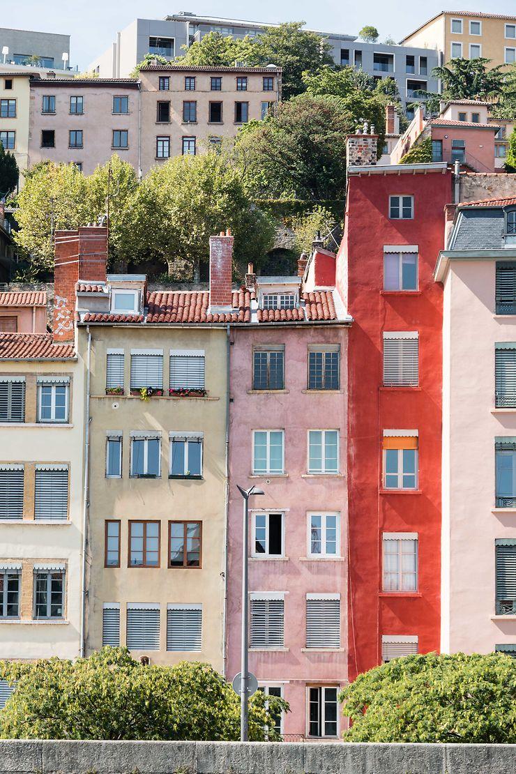 Le tout petit immeuble rouge à Lyon
