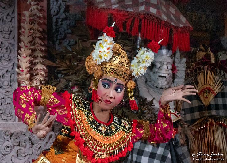 Danse du Barong dans le temple Pura Dalem, Bali