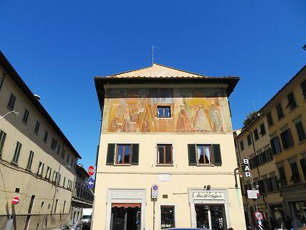 Immeuble ancien avec fresque à Florence