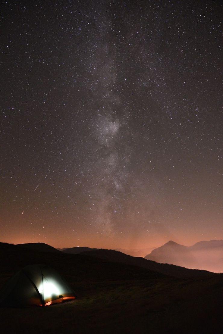 Bivouac à rêver sous les étoiles à 3000 m, Alpes