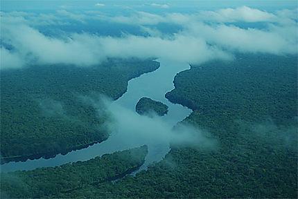 La rivière Tshuapa entre Mbandaka et Boende
