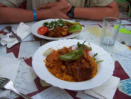 Couscous au restaurant du peuple à Sousse