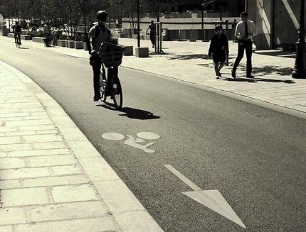 Piste cyclable rue du Pont Neuf