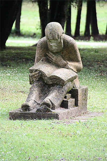 Statue dans le parc