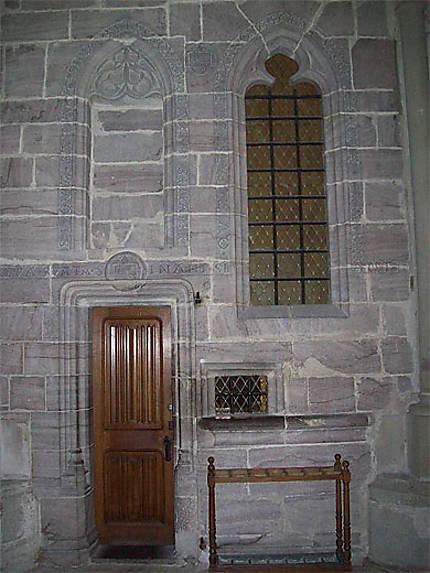 Dans la cathédrale