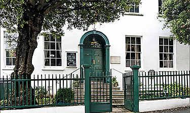 Hauteville House (Saint Peter Port)