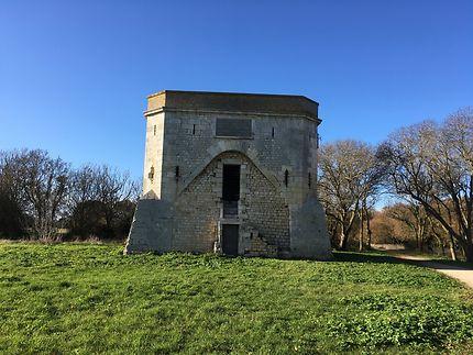 Tour carrée chef de baie, La Rochelle