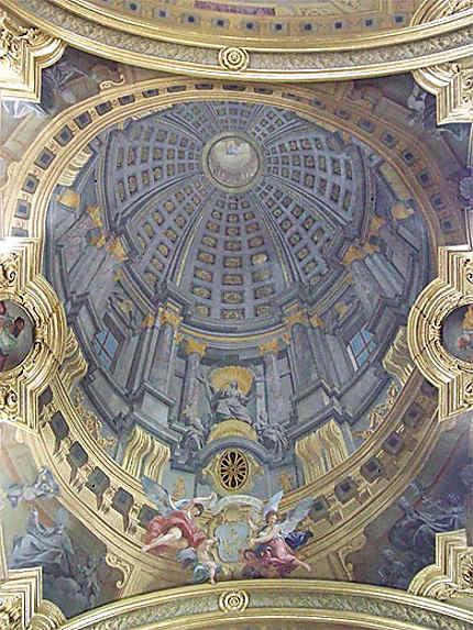 Jesuitenkirche : trompe-l'oeil