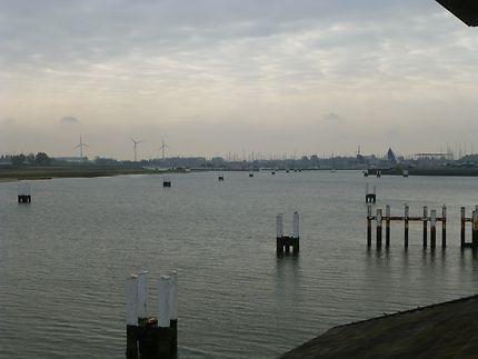 Entrée du port au petit matin