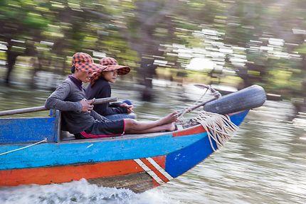 En bateau au Cambodge