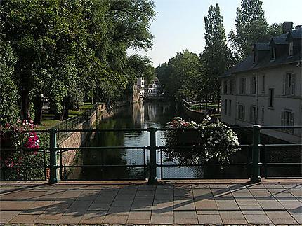 """L'Ill """"tranqu-Ill-e"""" entre deux ponts"""