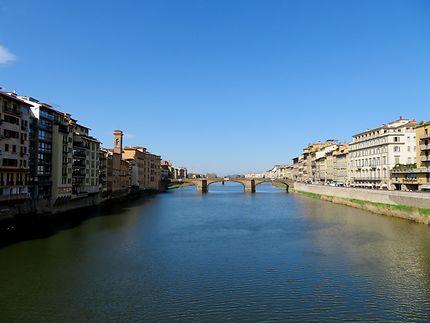 Fleuve Arno depuis le pont Vecchio