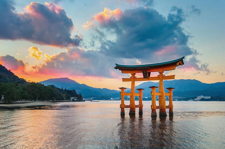 Hiroshima et Miyajima, sous les cerisiers en fleurs