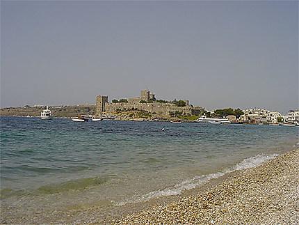 Vue de la plage et du château Saint-Pierre